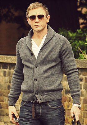 Daniel Craig in cardigan