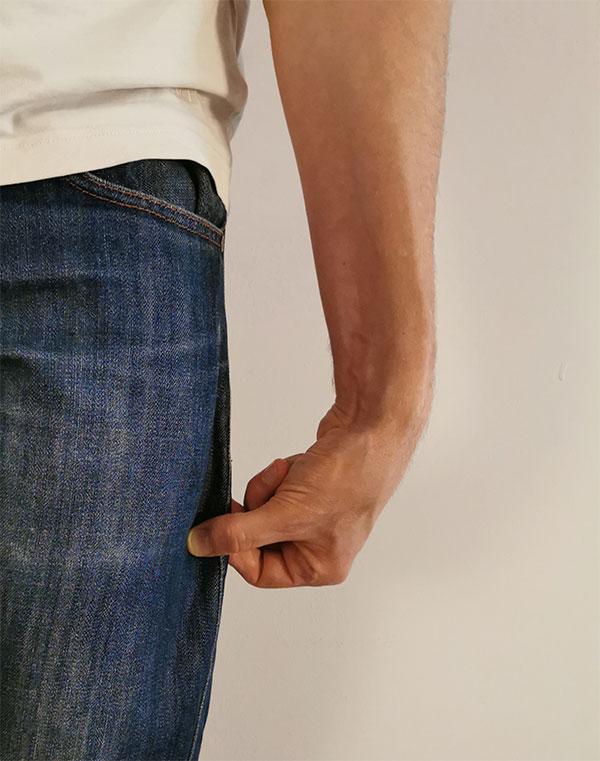 Jeans pinch test