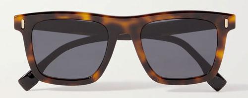 Tortoise shell D-frame sunglasses (heavy frame)